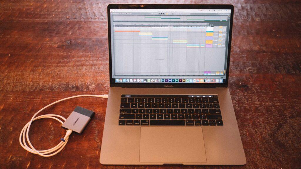 Best Laptop for Backing Tracks