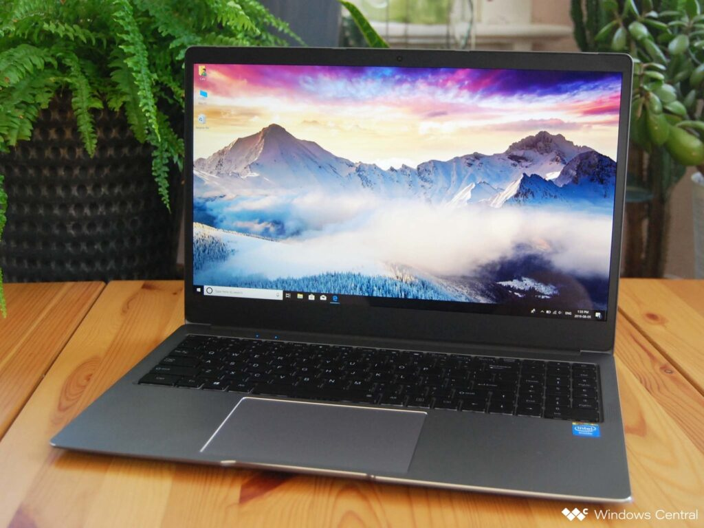 Best Laptop for College Students Under 600