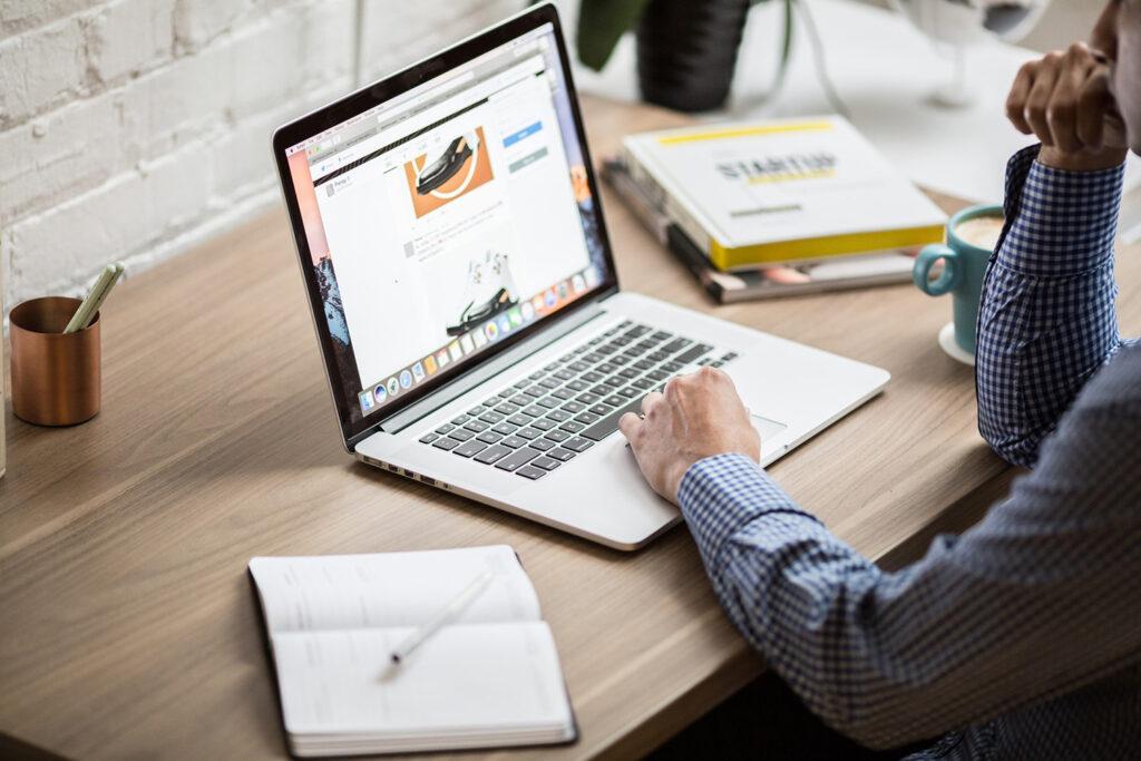 Best Laptop for Blogger