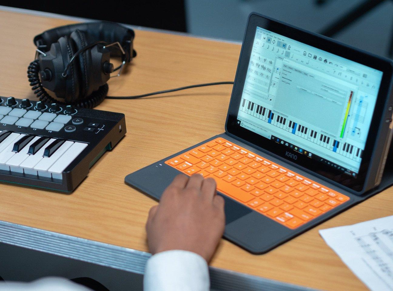 Best Laptop for Midi Keyboard Workstation