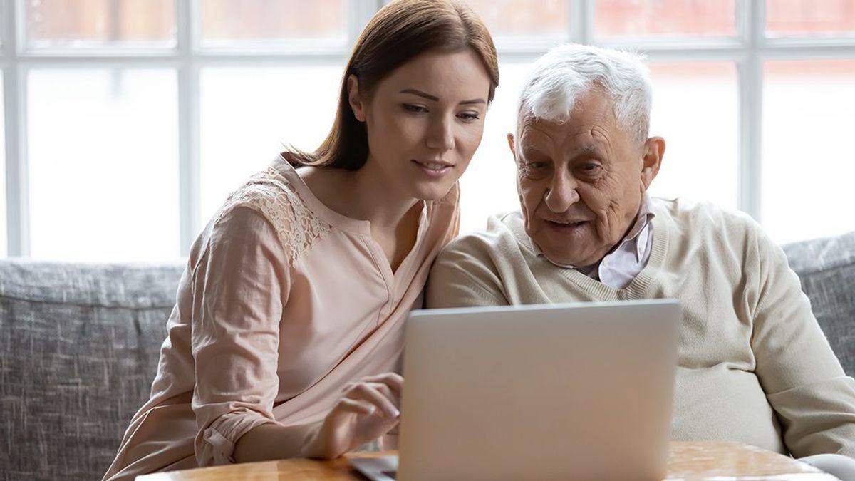 Best Laptop for Teaching Seniors