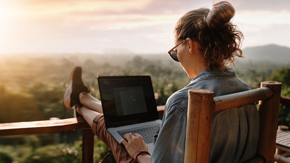 Best Laptop for Travelling With